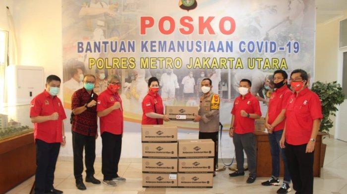 Yayasan Rumah Kebangsaan Bersaudara Sumbang Handsanitizer ke Polres Jakarta Utara