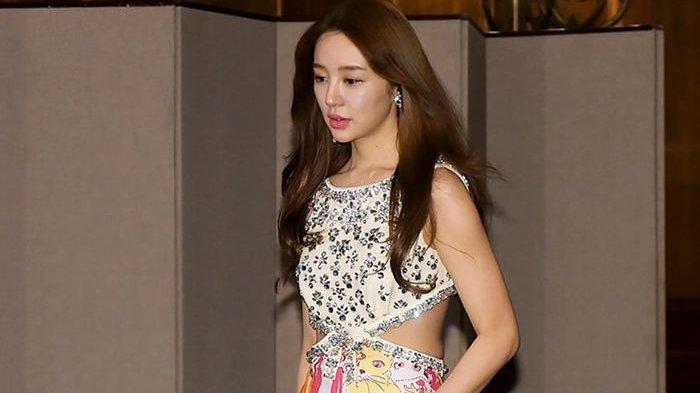 Yoon Eun Hye Minta Maaf Sekali Lagi Terkait Kontroversi Plagiarisme Desain  Busana - Wartakotalive.com