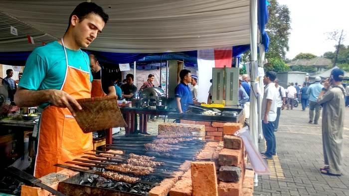 Yuk Kunjungi Aneka Makanan Khas Turki di Masjid Raya Bintaro Tangsel, akan Berakhir Hari Minggu