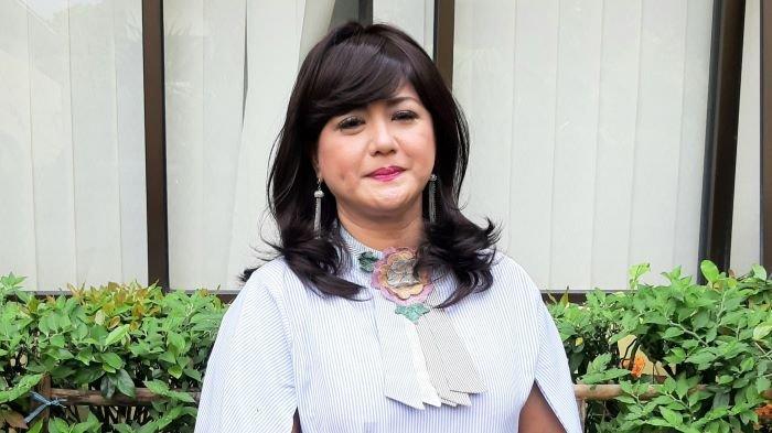 Pemain sinetron Yuyun Sukawati mengadukan tindak kekerasan dan penganiayaan yang dilakukan Fajar Umbara ke Komnas Perlindungan Perempuan, Menteng, Jakarta Pusat, Jumat (9/4/2021).