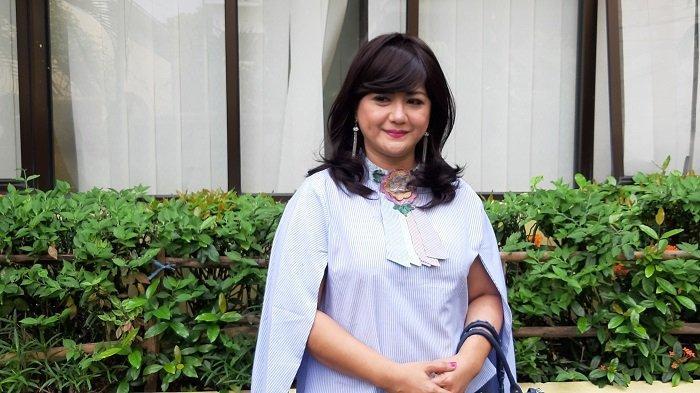 Yuyun Sukawati Langsung Menangis saat  Mendengar Kabar Fajar Umbara Dipenjara