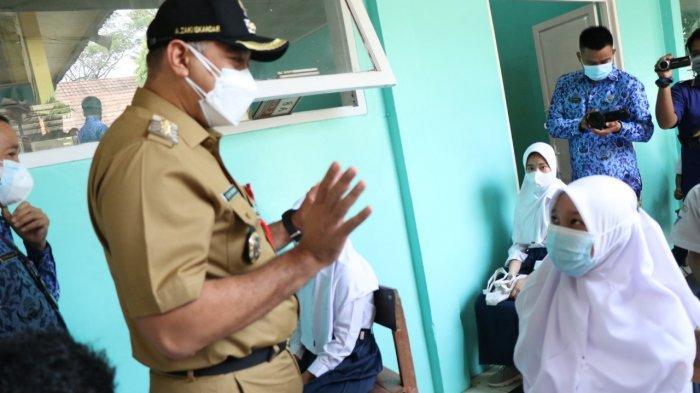 Ahmed Zaki Iskandar Percepat Vaksinasi Covid-19 di Sekolah 100.000 Dosis Disiapkan