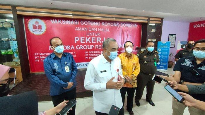 Ahmed Zaki Iskandar Gembira Perusahaan di Kabupaten Tangerang Menerima Vaksin Gotong Royong