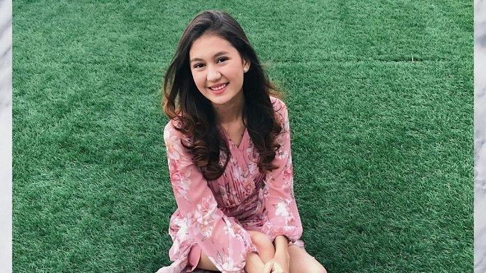 Zoe Abbas bermain dalam sinetron terbarunya berjudul Buku Harian Seorang Istri. Dia berperan sebagai istri yang diselingkuhi suaminya.