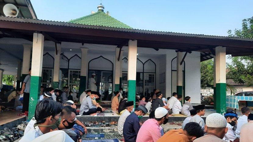 salat-idulfitri-di-masjid-al-karim.jpg