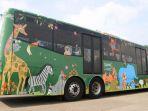 10-bus-transjakarta-rute-ragunan-dan-ancol-dipasangi-stiker_20180626_143623.jpg
