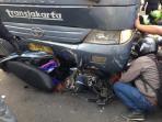 20150622-kecelakaan-transjakarta-tabrak-motor_20150622_092647.jpg