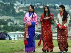 20150623-siswa-pakaian-tradisional-bhutan_20150623_083739.jpg