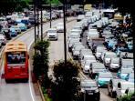 20160504waduh-kepadatan-lalu-lintas-mulai-terjadi-jelang-libur-panjang_20160504_132306.jpg