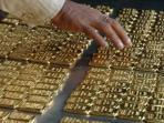 20160807berikut-keuntungan-dan-kerugian-beli-emas-batangan-cara-kredit_20160807_084048.jpg