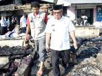 20160810idris-kunjungi-penampungan-korban-kebakaran-kampung-lio_20160810_134647.jpg
