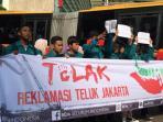 20160911begini-alasan-bem-seluruh-indonesia-tolak-reklamasi-teluk-jakarta_20160911_102227.jpg