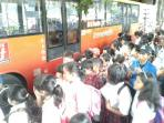 20160916-naik-bus-transjakarta_20160916_093120.jpg