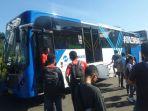 20170409-pt-transjakarta-luncurkan-bus-transjakarta-maxi_20170409_100841.jpg