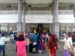 20170416kehadiran-masjid-raya-kh-hasyim-asyari-membawa-rezeki-bagi-warga-sekitar_20170416_142759.jpg