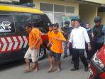 20170814empat-penipu-tukar-atm-dengan-modus-sebagai-orang-brunei-dan-bone-ditangkap-polisi1_20170814_185349.jpg