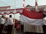 20170817upacara-bendera-warga-jembatan-besi1_20170817_220925.jpg
