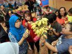 20170818berita-foto-lomba-makan-pisang-tanpa-minum_20170818_170306.jpg