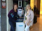 20170919-robot-penyambut-tamu-vjr-dari-dorsett-hospitality-international_20170919_075050.jpg