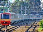20171010-kereta-commuter-line_20171010_203928.jpg
