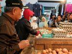20171221selain-daging-ayam-dan-telur-harga-gula-pasir-dan-cabe-di-depok-juga-naik3_20171221_185544.jpg