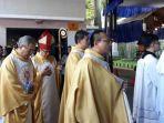 20171225damai-kristus-dalan-nuansa-nusantara-di-gereja-katedral-jakarta_20171225_094350.jpg
