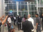 20171226suasana-pelayanan-perdana-kereta-bandara-soetta_20171226_073827.jpg