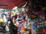 20180108berita-foto-penjualan-mainan-masih-marak-meski-pasar-gembrong-akan-digusur3_20180108_202110.jpg