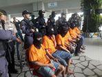 20180412sindikat-narkotika-malaysia-indonesia-dipamerkan-di-terminal-3-bandara-soetta_20180412_170404.jpg