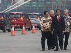 20180425berita-foto-presiden-jokowi-tinjau-ekspor-perdana-mitsubishi-xpander4_20180425_205908.jpg