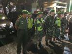 20180514pasca-teror-bom-di-surabaya-tiga-pilar-kelapa-gading-lakukan-patroli-wilayah_20180514_204240.jpg