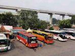 20180604hanya-10-persen-armada-bus-yang-laik-jalan-di-terminal-kampung-rambutan1_20180604_213808.jpg