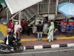 20180705pkl-di-trotoar-stasiun-palmerah3_20180705_184341.jpg