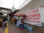 20180705pkl-di-trotoar-stasiun-palmerah_20180705_184144.jpg