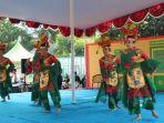 20180812melestarikan-seni-main-pukul-betawi-di-festival-tanjung-barat_20180812_161142.jpg