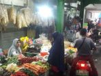 20180905-pedagang-sayur-di-pasar-kramat-jati_20180905_192355.jpg