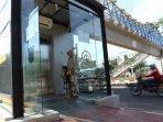 20190110fasilitas-lift-di-jpo-sumarno.jpg