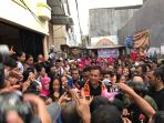 agus-harimurti-yudhoyono-gerilya-di-johar-baru_20161220_190103.jpg