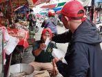aksi-cepat-tanggap-act-jurnalis-bekasi-20000-lembar-maske-para-pedagang-pasar-baru-bekasi.jpg