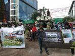 aksi-demonstrasi-di-depan-kanwilkumham-dki.jpg