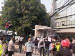aliansi-pemuda-dan-mahasiswa-kristen-indonesia-demo-di-kantor-pgi-menteng.jpg