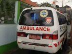 ambulans-bawa-dua-warga-positif-covid-19.jpg