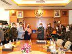 anggota-komisi-ix-dpr-ri-kurniasih-mufidayati-melakukan-kunjungan-ke-bp-jamsostek.jpg