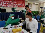anggota-polres-metro-jakarta-utara-disuntik-vaksin-covid-19.jpg