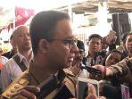 anies-baswedan-usai-meresmikan-kantor-kelurahan-petojo-selatan_20180219_105746.jpg