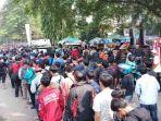 antrean-tiket-indonesia-vs-laos_20180817_103356.jpg