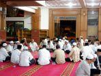 asn-depok-manfaatkan-jam-istirahat-dengan-itikaf-di-masjid.jpg