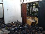 asrama-pria-ponpes-darussalam-depok-yang-terbakar_20181002_204953.jpg