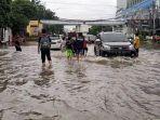 banjir-di-jalan-gunung-sahari-raya.jpg