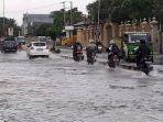 banjir-di-jalan-imam-bonjol-bekasi232.jpg